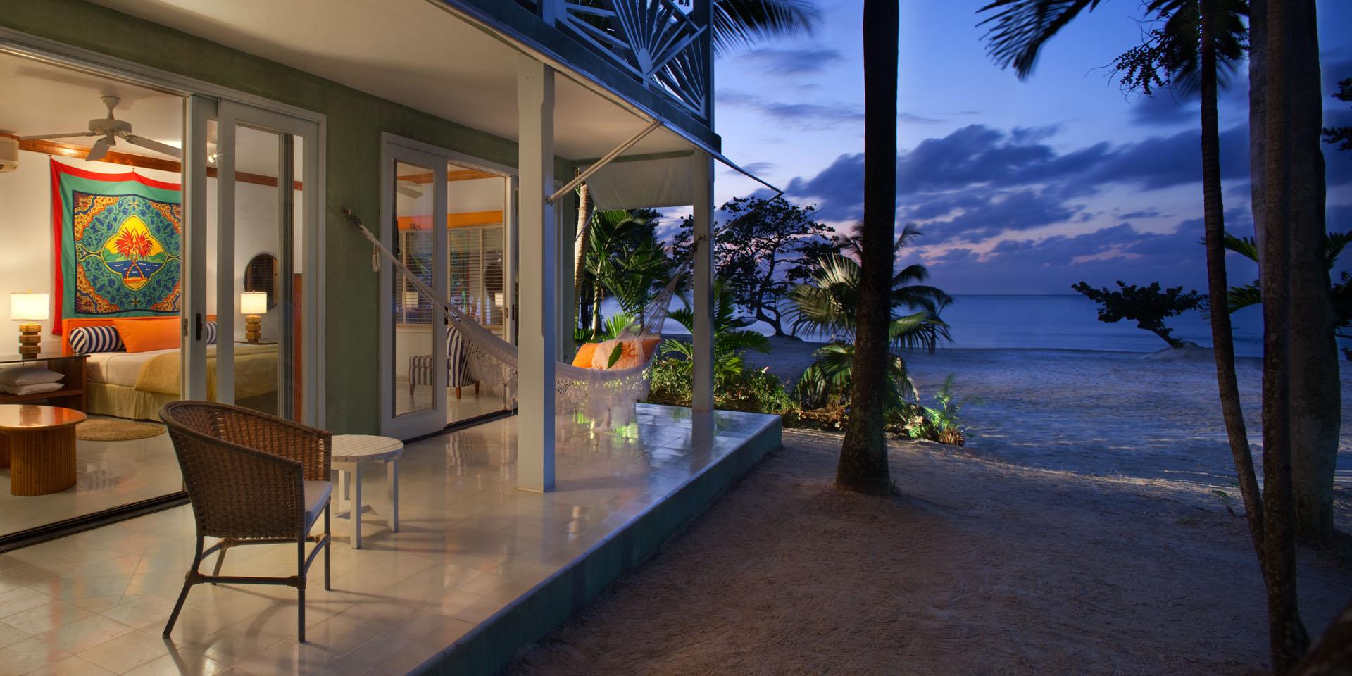 01_Beachfront_Suite