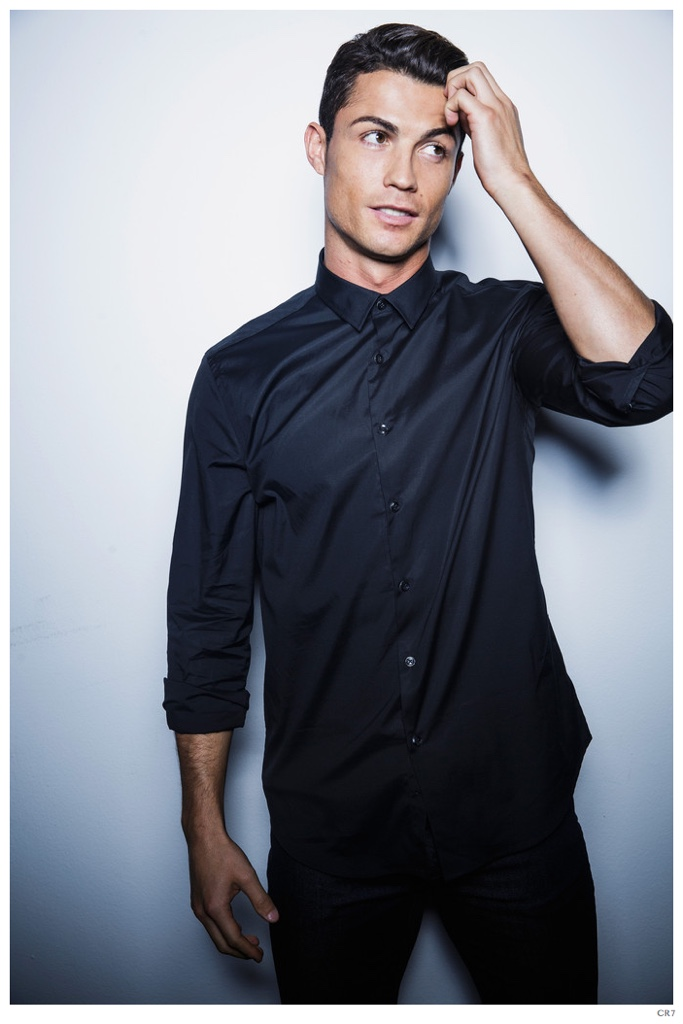Cristiano-Ronaldo-CR7-Shirt-Photo-Shoot-005