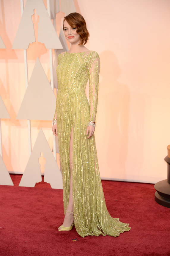 emma-stone-oscars-red-carpet-2015