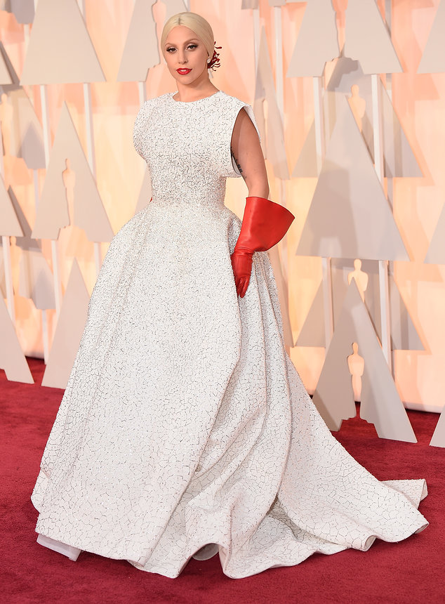lady-gaga-oscars-red-carpet-2015