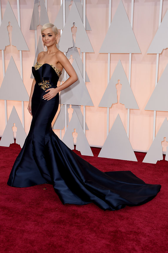 rita-ora-oscars-red-carpet-2015